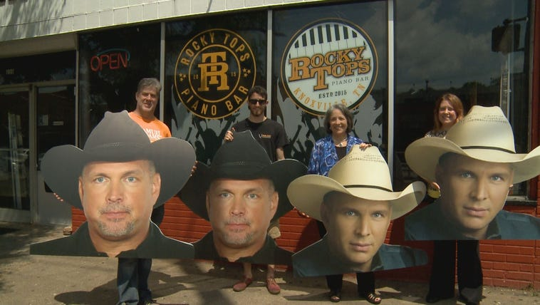 Garth Brooks' visit to Knoxville brought out fans and