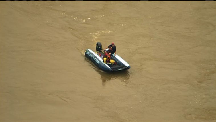 Crews are searching for a missing boater on Potomac