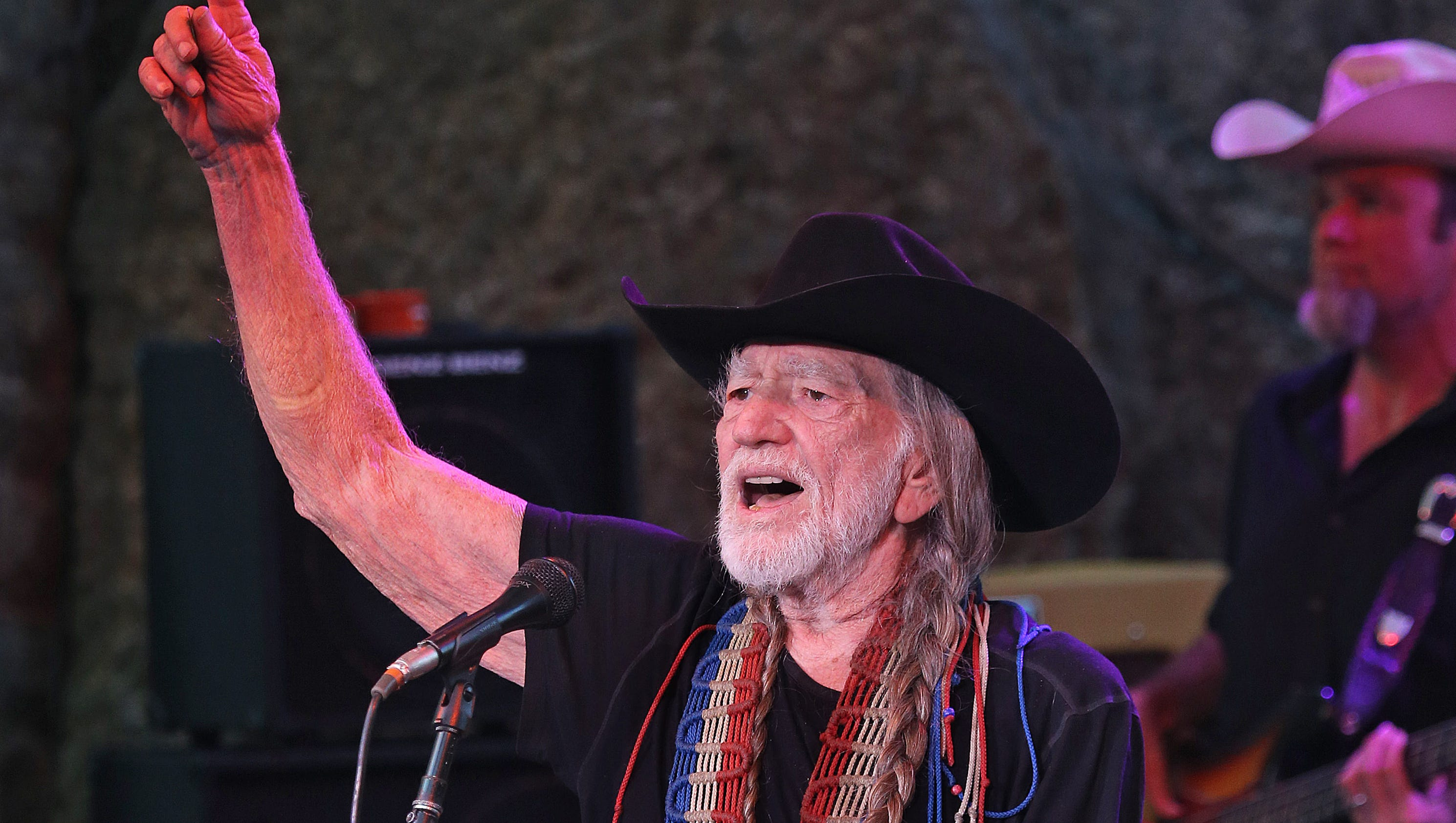 Willie Nelson And Friends Tour