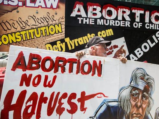 636360765224382206-AbortionProtest-5.jpg