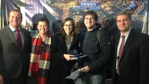 From left: Gert-Jan de Graaff, president and CEO of JFKIAT; Stephanie Baldwin of Delta Air Lines; lucky passengers Sara Yerry and Jared Gerber; and Robert Pyrka of JFKIAT.