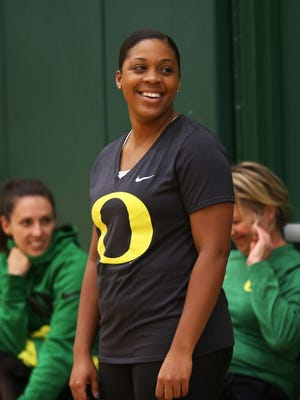 Former Oregon point guard Nia Jackson is leaving the Ducks to be a full-time assistant at Boise State .[Chris Pietsch/The Register-Guard] - registerguard.com
