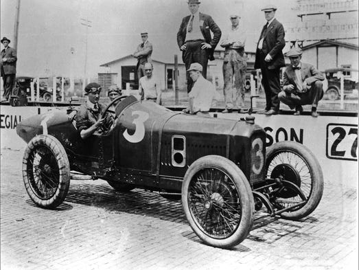 Retro Indy Riding Mechanics At The Indy 500
