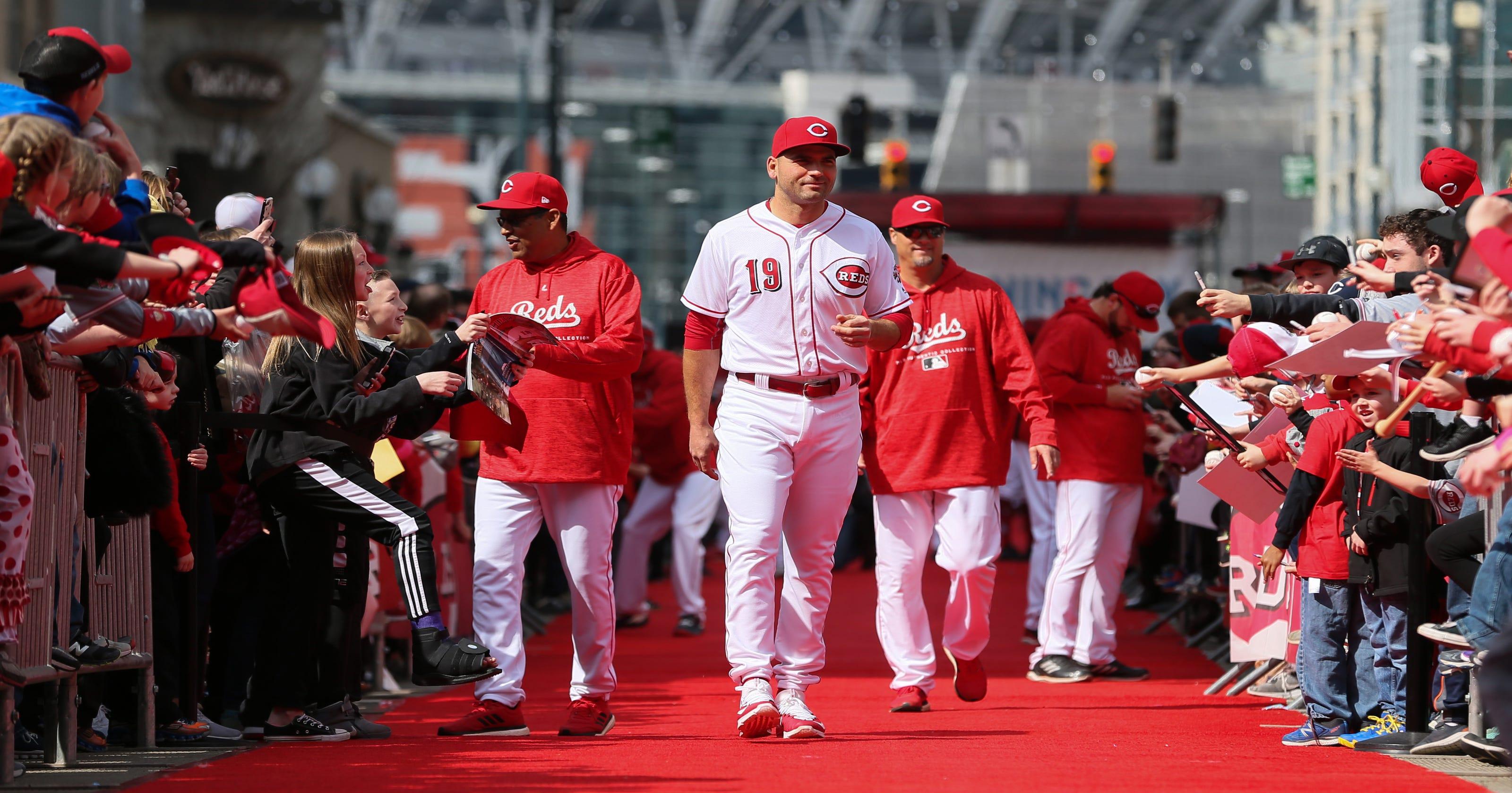 4c4c687f60f Cincinnati Reds Opening Day game and parade reunited next season
