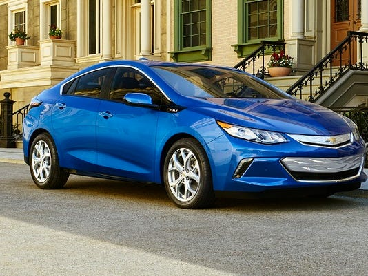 Chevrolet cuts price of new Volt plug-in car