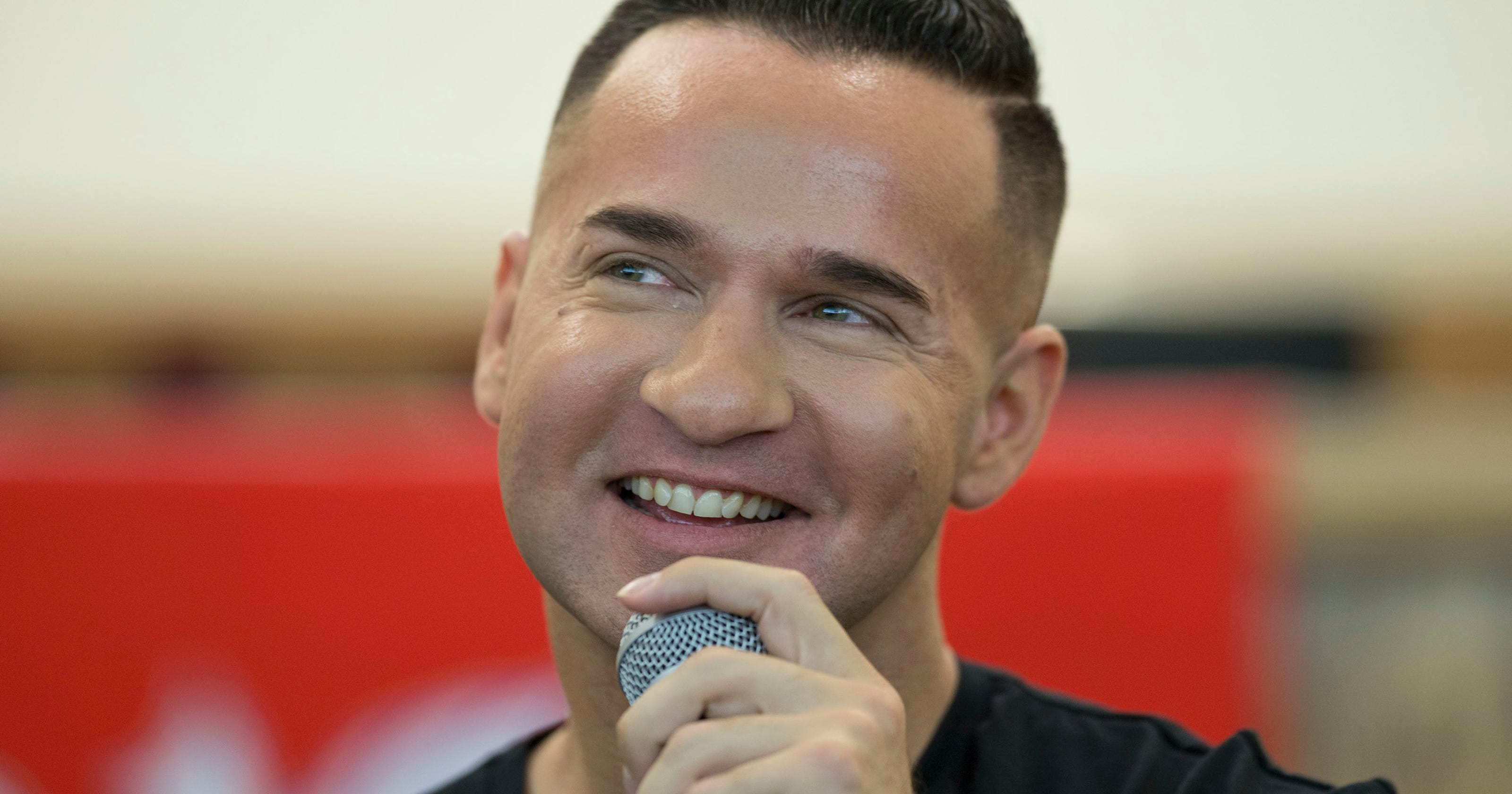 The Situation of 'Jersey Shore' talks drug addiction to Shore groups