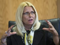 Roberts: Choke on this: Fired Phoenix VA official gets another appeal
