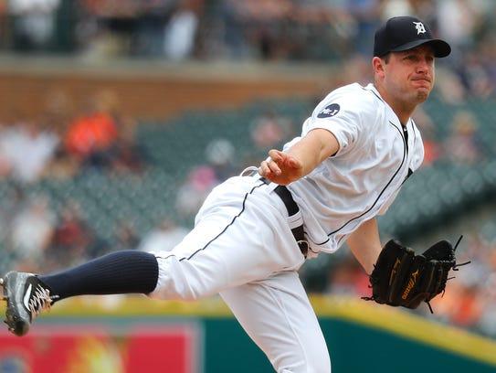 Tigers pitcher Jordan Zimmermann throws against the