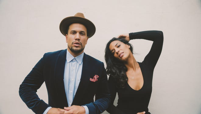Amanda Sudano and Abner Ramirez perform under the name Johnnyswim.