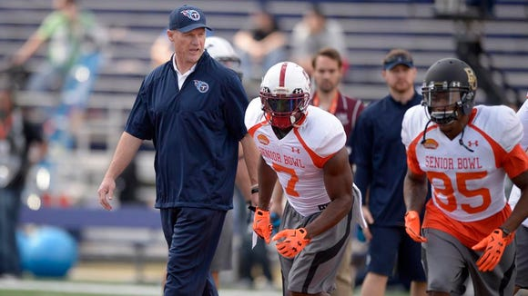 Titans coach Ken Whisenhunt coaches the North squad at the Senior Bowl on Tuesday in Mobile, Ala.