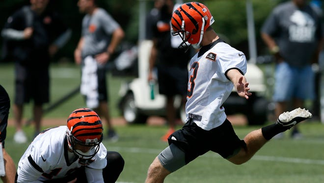 Kicker Jake Elliott (3) was signed by the Philadelphia Eagles off the Bengals' practice squad on Tuesday.