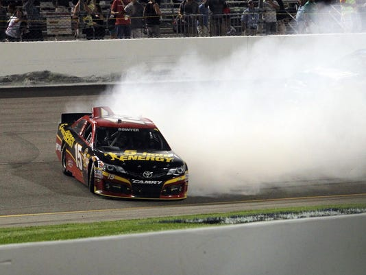 9-7-2013 clint bowyer spin