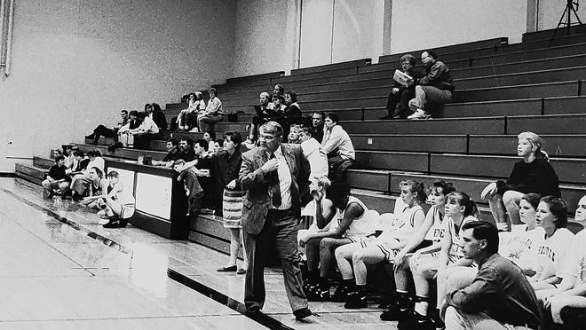 Former Bethel College women's basketball coach Floyd Sowers died Friday. Sowers was the first Bethel coach to reach 100 wins and his 106 total wins was second in school history.