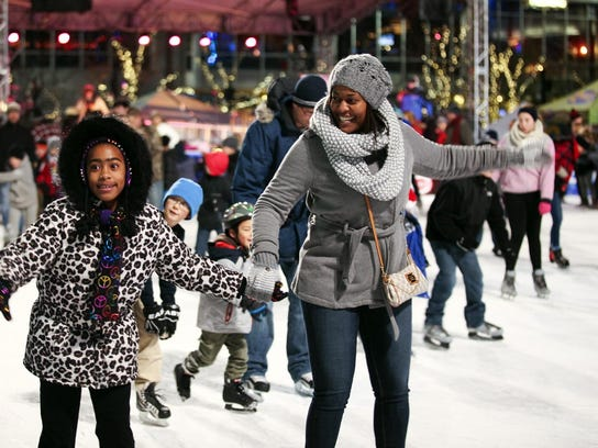 Ice rink on Fountain Square
