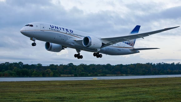 A United Airlines Boeing 787 takes off for Chicago
