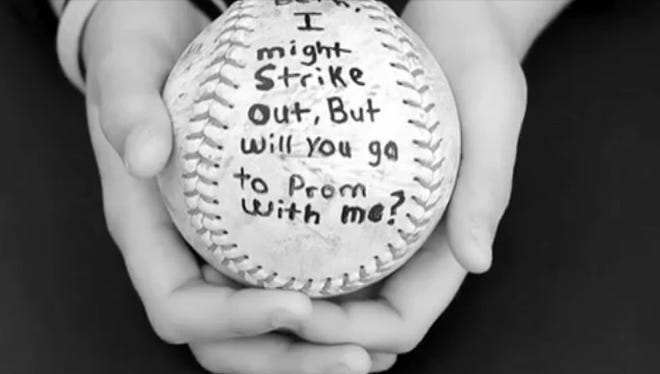 One of the ways to make the invitation for a prom.