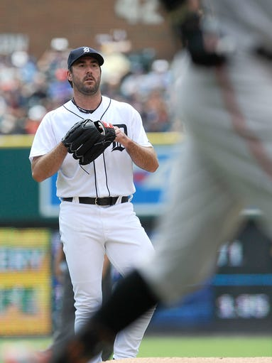 Tigers starting pitcher Justin Verlander watches Orioles'