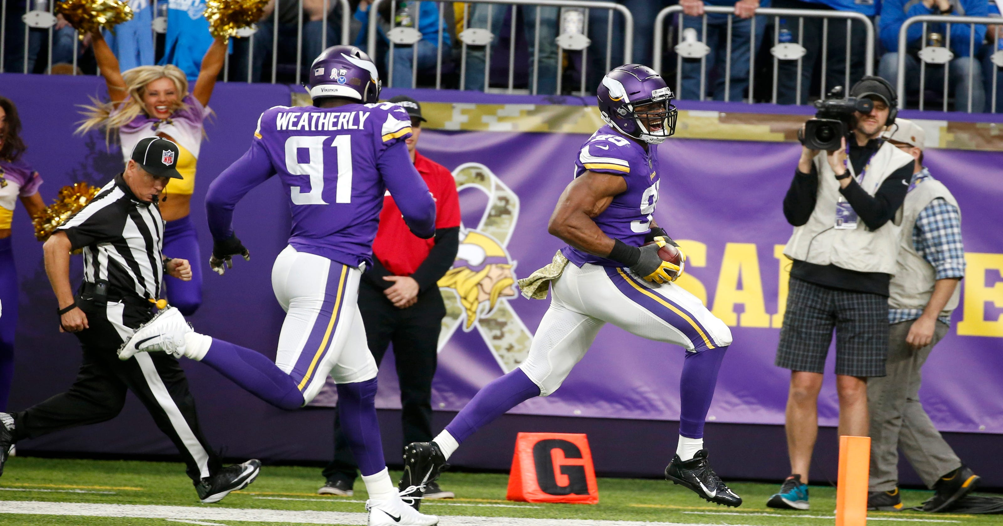 NFL sack leader Danielle Hunter  just lets it rip  for Vikes eecb1b8a6