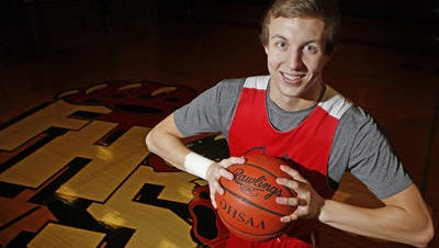 Luke Kennard leads Franklin Friday night against Springfield Shawnee in a Division II district final at UD Arena.