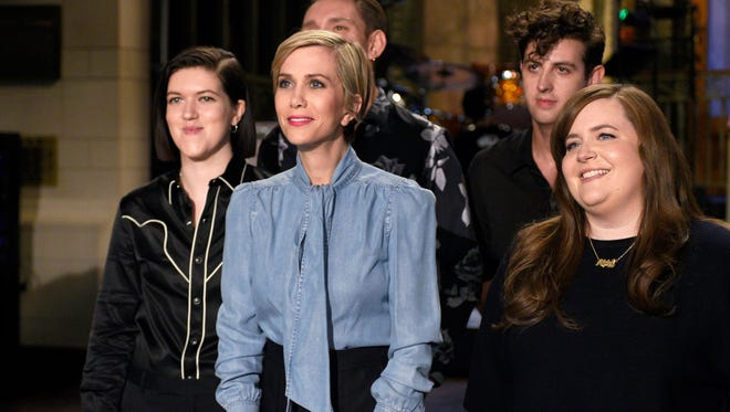 Kristen Wiig mostly kept the recurring characters to a minimum.