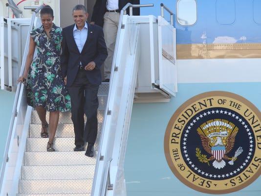 Obamas arrive 2