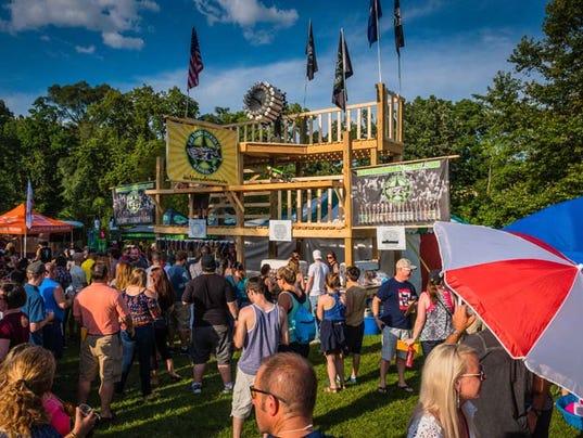 Cheers michigan 39 s top beer fest kicks off in ypsilanti for Michigan craft beer festival