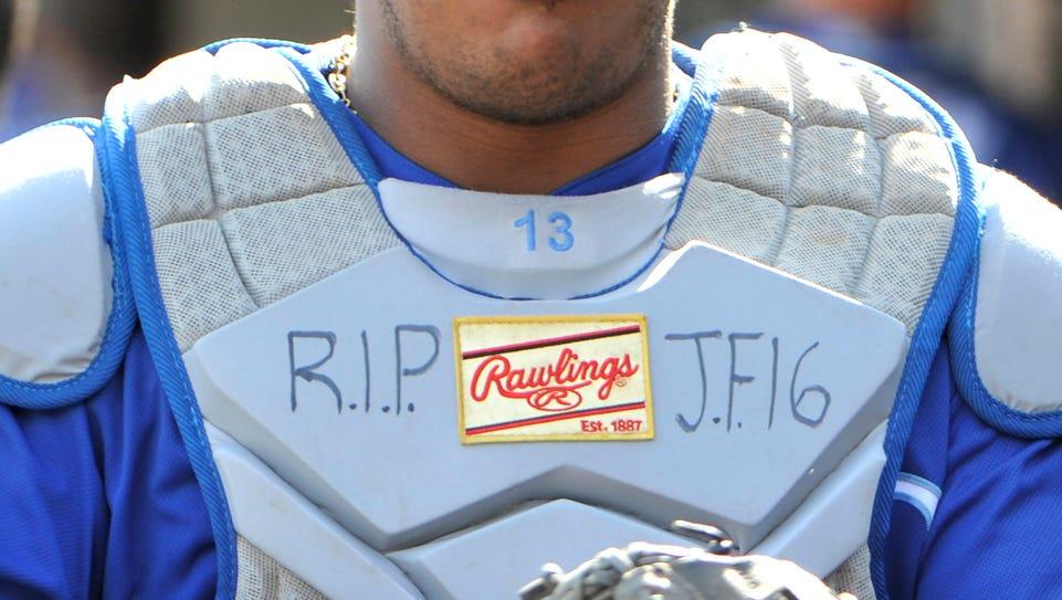 Royals catcher Salvador Perez has 'RIP J.F.16' written