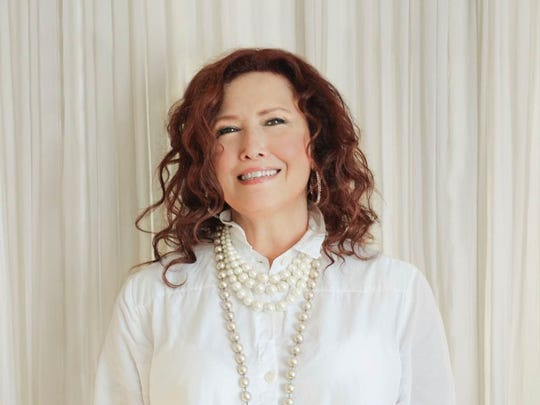 Melissa Manchester performs with the Coachella Valley