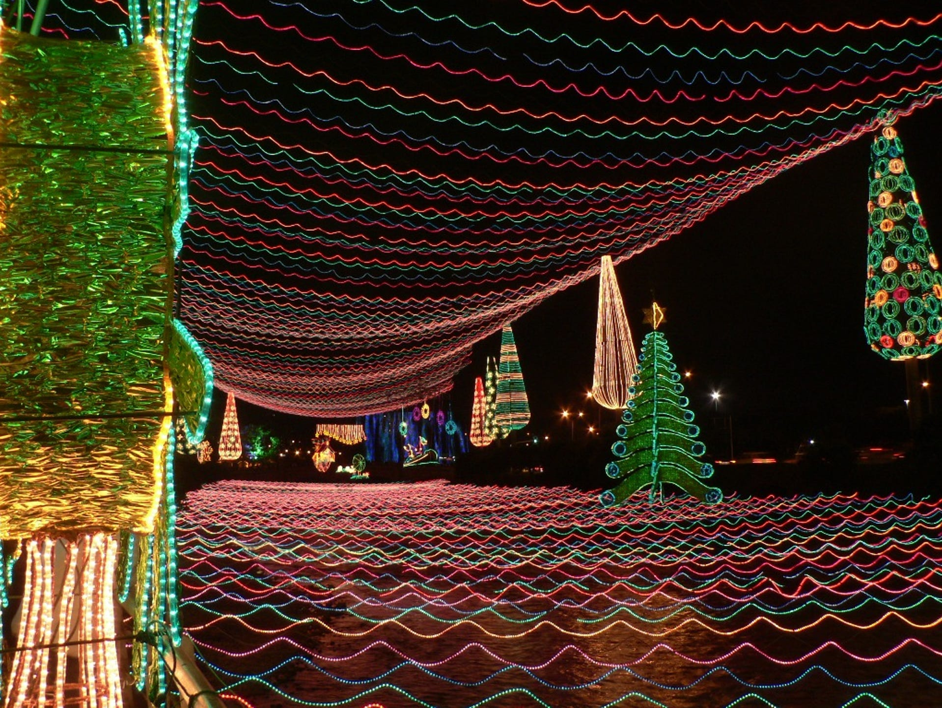 A beloved event, the Lighting of Medellín has been