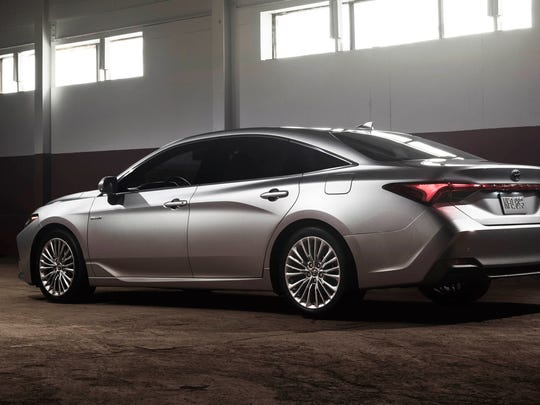 2019 Toyota Avalon Limited hybrid