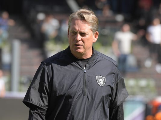 USP NFL: NEW ENGLAND PATRIOTS AT OAKLAND RAIDERS S FBN OAK NEP MEX