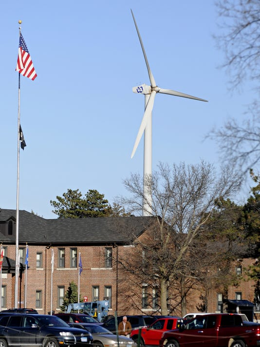 Tests turn VA's wind turbine as $2.3M in repairs continue