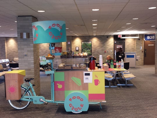 Memphis International Airport Hmshost Food Cycle Delivers To Gate Huggers At