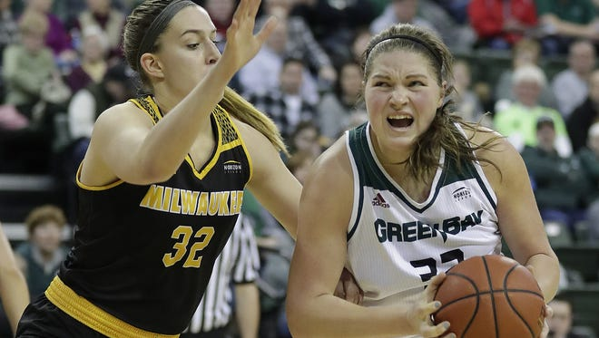 UWGB sophomore forward Karly Murphy, pictured in a game against UW-Milwaukee in 2018, scored 30 points to lead the Phoenix to a season-opening win at Central Michigan on Wednesday.