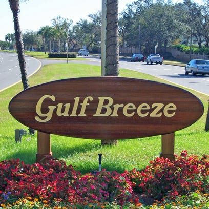 Gulf Breeze City Council tentatively passed a new building