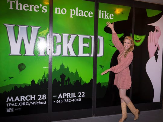 Brentwood native Ginna Claire Mason plays Glinda in