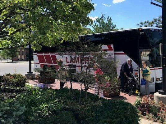 636670079336295971-Coach-bus.jpg