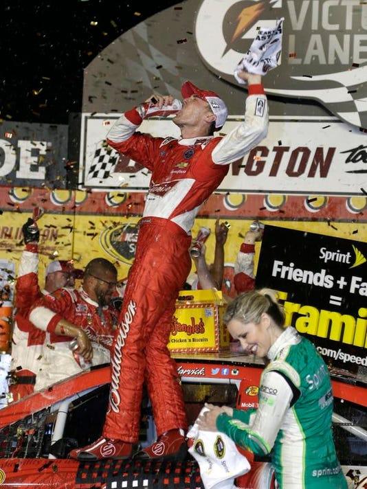 0414 NDS NASCAR Harvick Victory wires V