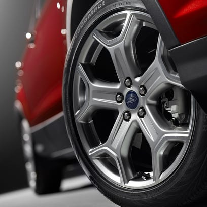 2017 Ford Escape Titanium with Optional 19-inch Alloy