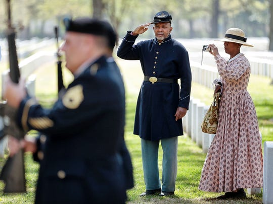 Civil War reenactors Lee Randles and Diane Randles