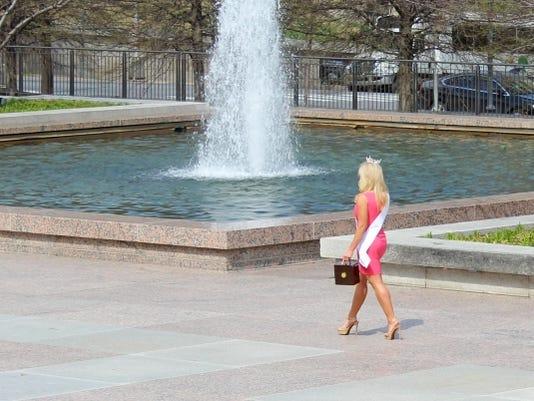 636292445253567554-beauty-queen-scene-nashville.jpg