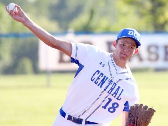 Brookfield Central's Michael Hinz pitches against Brookfield