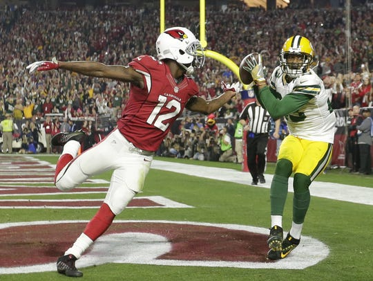 Green Bay Packers cornerback Damarious Randall intercepts