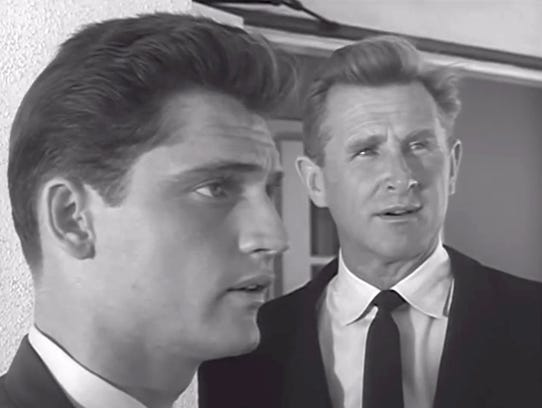 Chris Robinson and Lloyd Bridges in a 1961 Seahunt
