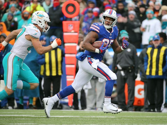 Bills tight end Charles Clay caught 5 passes against