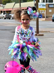 Trick or treat in midtown Ruidoso from 3 to 5 p.m.