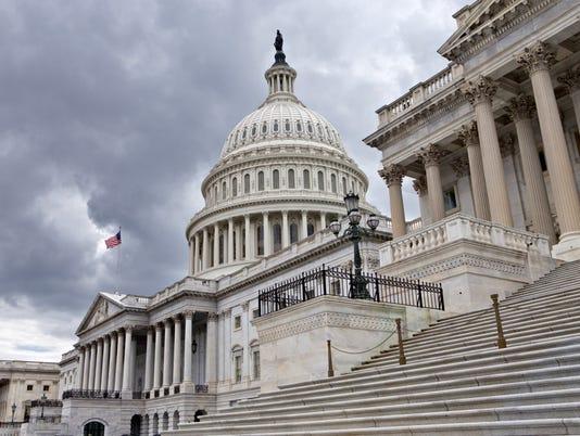 635695345265023039-U.S.-Capitol-Building