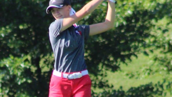 Kent Roosevelt's Sydnie Leavery finished third at the Girls Suburban Tournament on Thursday.