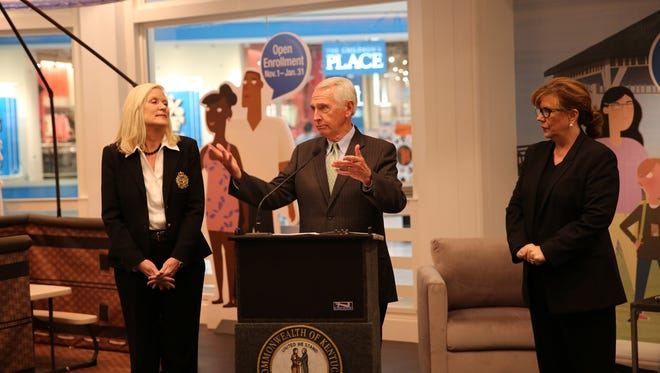 Gov. Steve Beshear kicks off open enrollment season on kynect with a visit to a new kynect sign-up store at Mall St. Matthews.