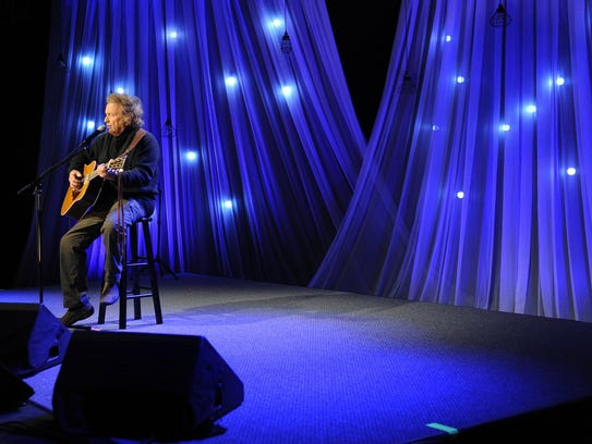 Don Mclean performs Vincent for the Smoky Mountains